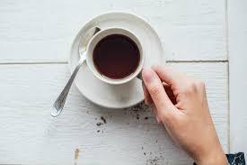 Donne che consumano alcol caffè su una base quotidiana hanno un 15% di riduzione del rischio di creazione di depressione